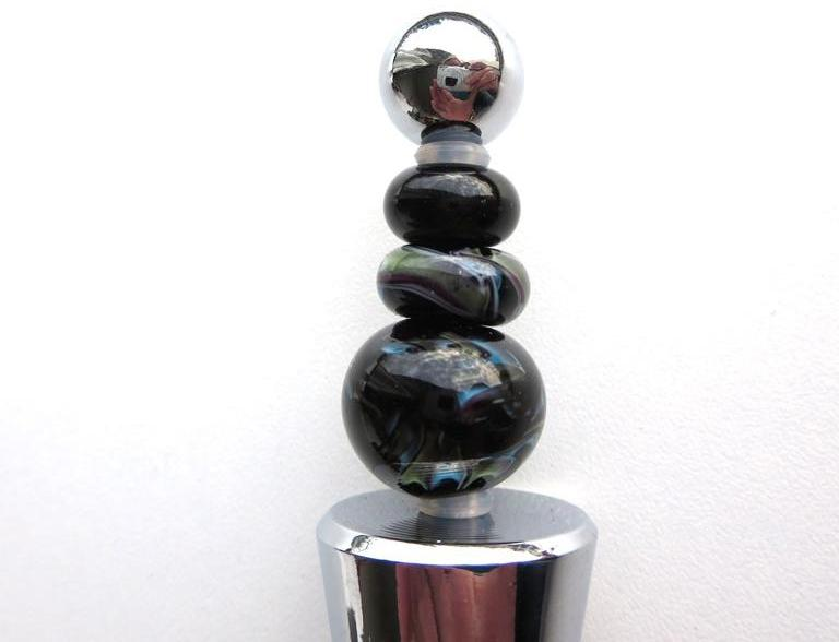 Wijnstopper met unieke, handgemaakte glaskralen